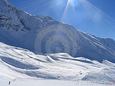 Lone skiier in Vallandry