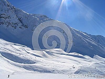 Lone skiier in Vallandry