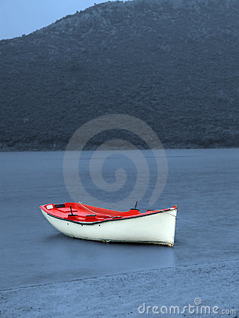 Free Lonely Boat Royalty Free Stock Photography - 21417