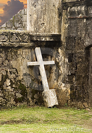 Free Lonely Cross Against Wall Stock Photography - 2554872