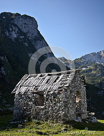 Lonely hut ruins