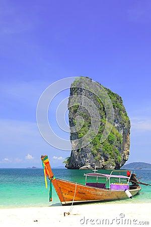 A long tail boat @ koh Poda