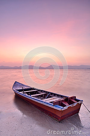 Free Longtail Boat Royalty Free Stock Photo - 30877775