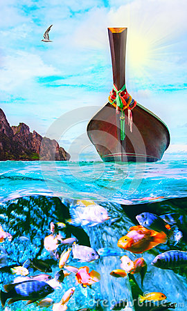 Free Longtail Boat On The Sea Tropical Beach Royalty Free Stock Images - 33401259