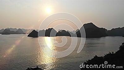 Longueur très intéressante de baie long longueur de voyage de Vietnam, Asie d'ha fusée du soleil de finition Bourdon de tir clips vidéos