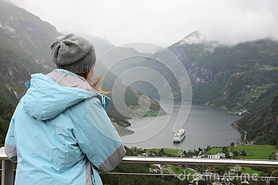 Looking at Geiranger