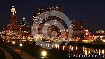Looping von Tag zu Nacht Zeitplanung von Columbus, Vereinigte Staaten 4K stock footage