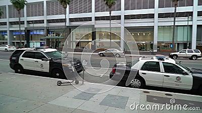 LOS ANGELES, EUA - 9 DE MAIO DE 2019: Carros de pol?cia video estoque