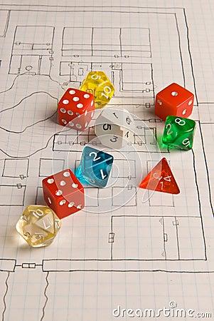 Dados y mapa del estilo del juego del papel