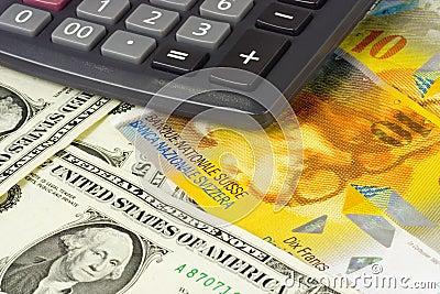Los E.E.U.U. y dinero en circulación suizo