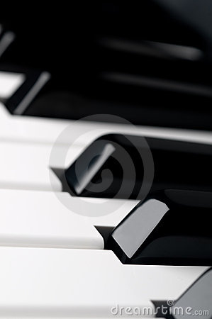 Free Lose Up Of Piano Keyboard Keys Royalty Free Stock Image - 9791466