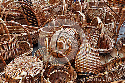A lot of vintage weave wicker baskets