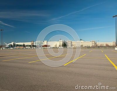 Lote de estacionamento vazio