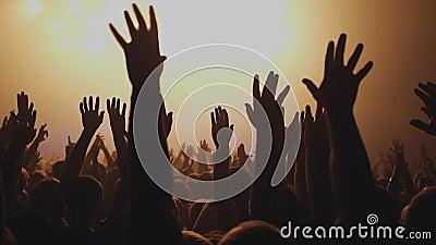 Lote dos povos que aplaudem no partido do entusiasmo