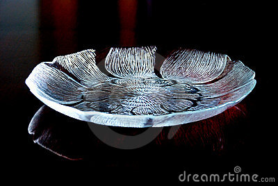 Lotus shaped glass tray