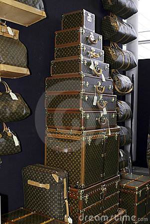 Free Louis Vuitton Stand Royalty Free Stock Images - 6755999