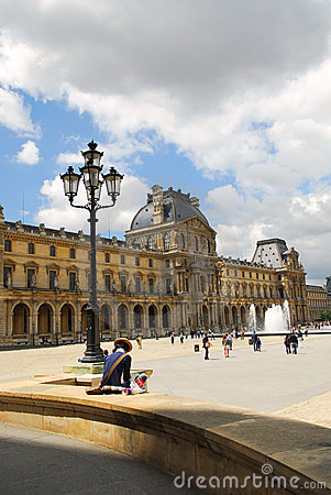 Free Louvre Royalty Free Stock Photos - 2825088