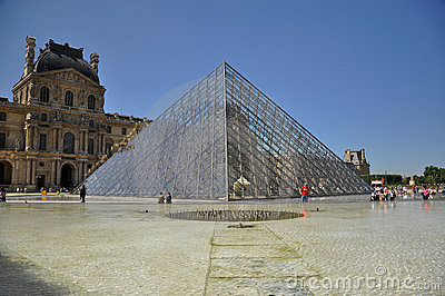 Louvre mureum in Paris, France Editorial Stock Image