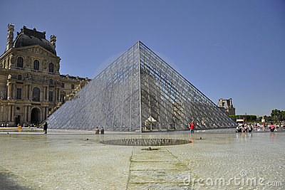 Louvre mureum in Paris, France Editorial Photography