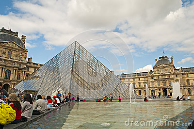 Louvre museum Editorial Stock Photo
