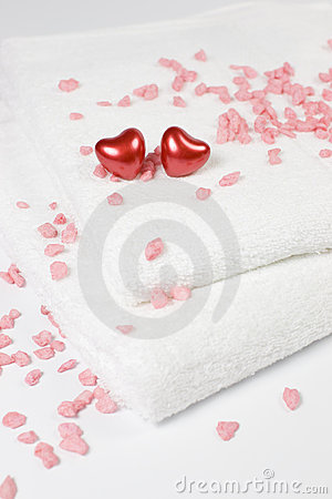 Love bath - hearts and towels