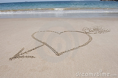 Love heart and arrow sand, costa rica