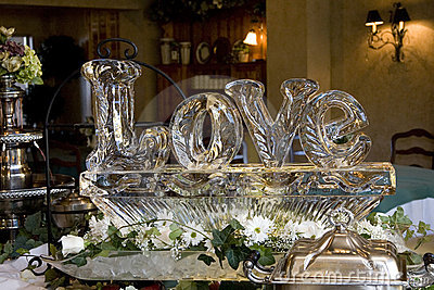 Love ice sculpture