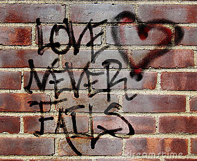 Love never fails graffiti