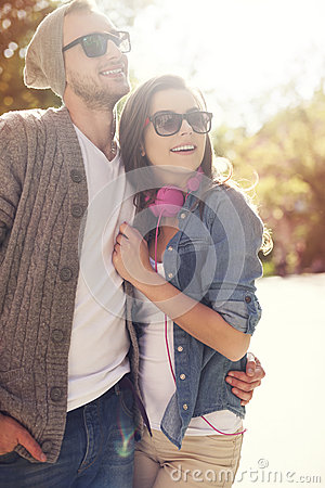 Free Loving Couple Outdoors Royalty Free Stock Images - 40674749