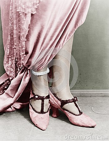 Free Low Section View Of A Woman Wearing Shoes Stock Images - 52020114