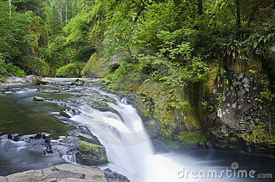 Lower Punchbowl Falls, Columbia River Gorge