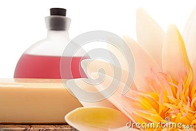 Lótus, petróleos essenciais e sabão de banho
