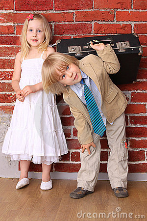 Adoraveis criancinhas  Lua-de-mel.-fundo-do-casamento-do-humor-thumb15700837
