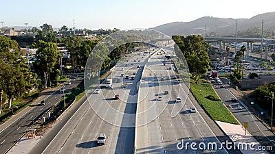Luchtfoto van de snelweg San Diego stock footage