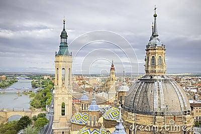 Luchtmening van Pilar kathedraal van Gr
