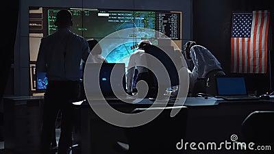 Ludzie pracuje w kontrola misji centrum zbiory wideo