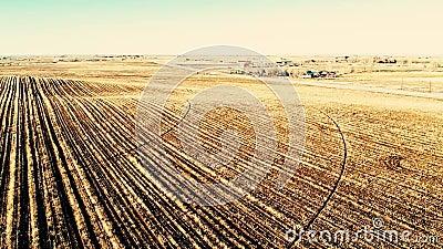 Luftüberführung des frisch bebauten Feldes in Colorado stock footage