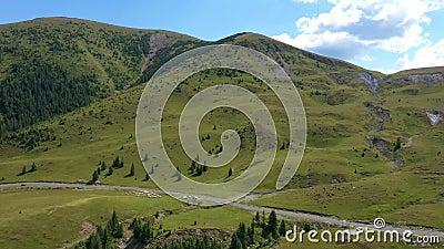 Luftbild der berühmten romanischen Bergstrasse Transalpina stock video footage
