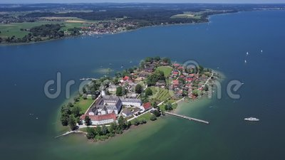 Luftbild von Frauenchiemsee Fraueninsel, Deutschland stock video footage