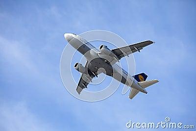 Lufthansa flygbuss A319-100 Redaktionell Fotografering för Bildbyråer