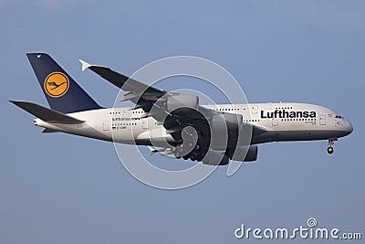 Lufthansa Luchtbus A380 Redactionele Afbeelding