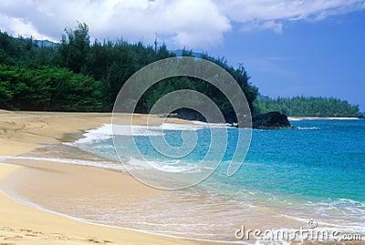 Lumahai shoreline