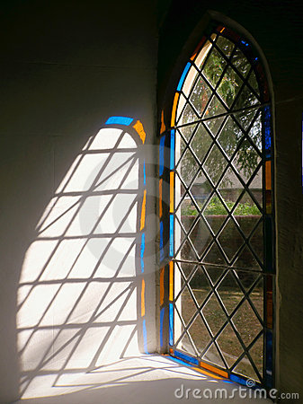 Lumière en verre souillé d hublot d église, Angleterre.