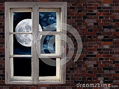 Luna Nella Finestra Fotografia Stock Libera Da Diritti