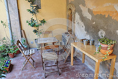 Lunch in the   Tuscan garden Italy