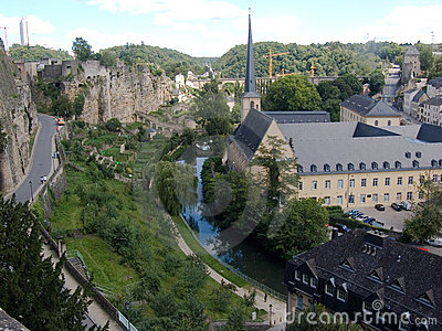 Luxemburg, ancients wall and modern buildings