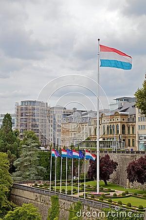 Luxemburgo señala por medio de una bandera