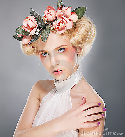 Free Luxurious Supermodel Lovely Blonde In Coronet Stock Photos - 22524613