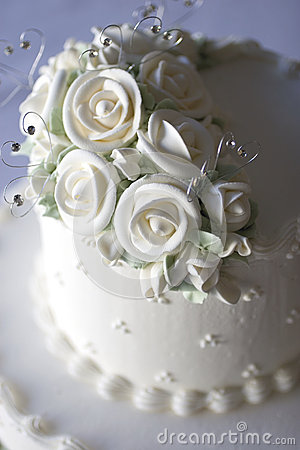 Luxurious wedding cake