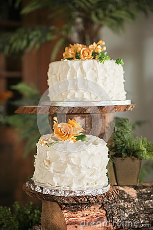 Luxurious wedding cakes